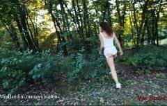 لقد أرادت حقاً ممارسة الجنس في غابة