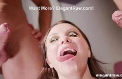 رجلان ينزلان وجهها