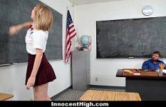 سيمونا طالبة مجتهدة لكنها تقنع معلمها بممارسة الجنس معها